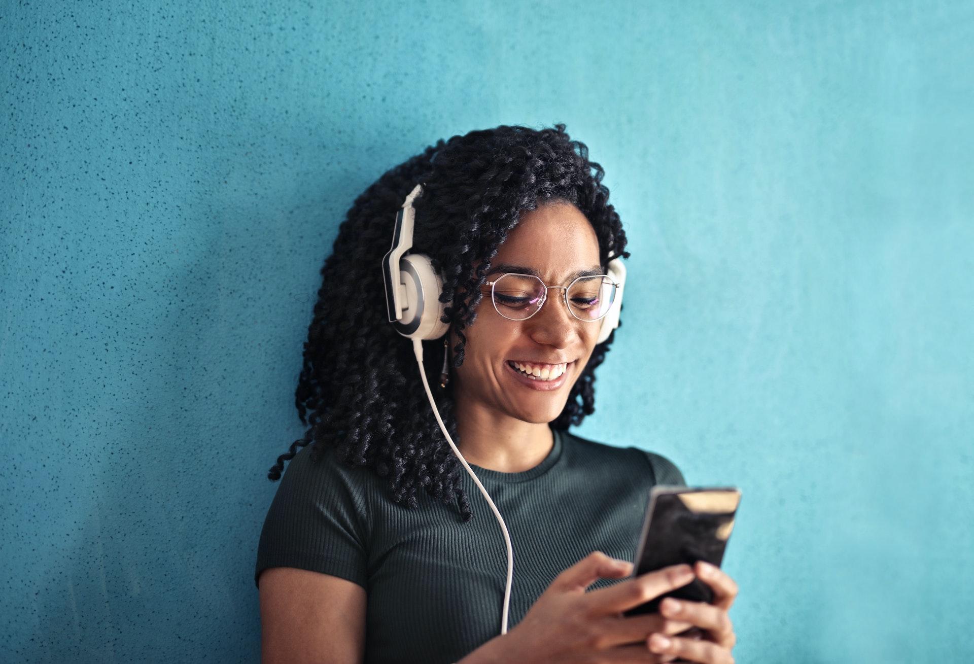 Audible oder Nextory - Vergleich der Hörbuch-Dienste